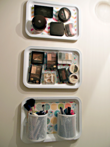 Magnetized Make-Up by DIY Budget Girl