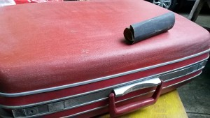 How to turn old suitcase, vintage samsonite suit case, vintage suitcase repurpose, how to repurpose old suitcase, red samsonite suit case
