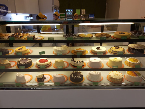 Leona's Bakeshop Review